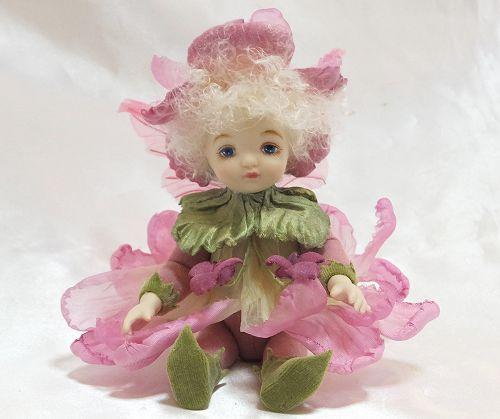 【送料無料】若月まり子 お花の妖精人形♪リトルエルフィン:すみれ(ピンク)【楽ギフ_のし】ビスクドール 御祝 贈答 創作人形 ギフト 結婚祝 出産祝 記念品