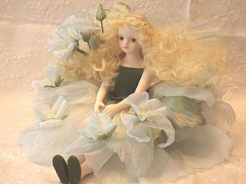 【送料無料】若月まり子 お花の妖精人形♪エルフィンフローリー:マロウ(ブルー)【楽ギフ_のし】ビスクドール 御祝 贈答 創作人形 ギフト 結婚祝 出産祝 記念品