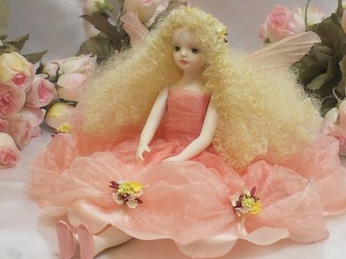 【送料無料】若月まり子 お花の妖精人形♪エルフィンフローリー:クロリス(ピンク)【楽ギフ_のし】ビスクドール 御祝 贈答 創作人形 ギフト 結婚祝 出産祝 記念品