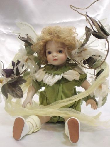 【送料無料】若月まり子 ビスクドール「ベビーフェアリー」:ホワイト(特別バージョン)【楽ギフ_のし】ビスクドール 御祝 贈答 創作人形 ギフト 結婚祝 出産祝 記念品