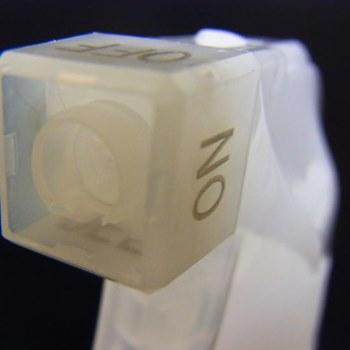 스프레이 용기 500ml 화이트 스프레이 용기 플라스틱 용기 병 술 이나 구 연산 물 이나 베이킹 소 다 물을 사용할 수 있습니다. 손으로 세탁 기술자/수 제 화장품/리필 교환 병 리필용 용기 05P13Dec14
