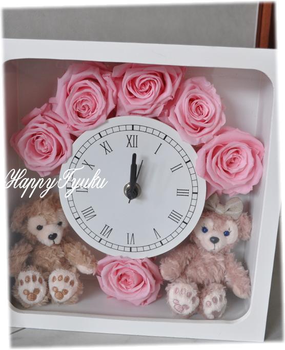 今だけ送料無料!ディズニーシー★ダッフィー&シェリーメイがついた時計。掛け時計としても、置時計としてもつかえます。プレゼントにおすすめ!★【Disney
