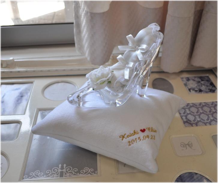 送料無料!シンデレラの靴☆リングピロー☆まさにお姫様☆まるでガラスの靴!!おとぎ話のワンシーンを再現☆プロポーズにいかが?