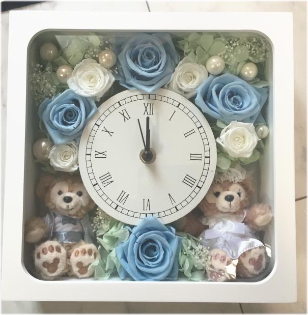 **お祝い**結婚祝いにいかが?ディズニーシー★ダッフィー&シェリーメイがついた時計。掛け時計としても、置時計としてもつかえます。プレゼントにおすすめ!プリザーブドフラワー☆完成品OR手作りキット