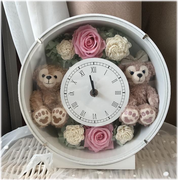 **ホワイトデーにいかが?ディズニーシー★ダッフィー&シェリーメイがついた時計丸。掛け時計としても、置時計としてもつかえます。プレゼントにおすすめ!プリザーブドフラワー 結婚祝い 母の日
