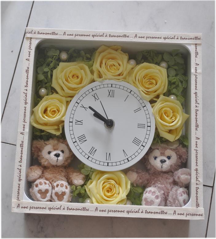 (゜∇^*)今だけ送料無料!ディズニーシー★ダッフィー&シェリーメイがついた時計。掛け時計としても、置時計としてもつかえます。プレゼントにおすすめ!