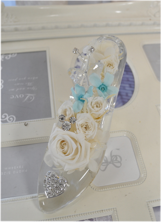 ディズニーランドのシンデレラ城☆ガラスの靴☆もちろんガラス製です☆リングピロー かくれミッキー