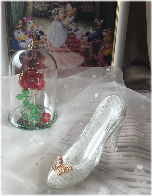 **新作☆ガラスの靴**プロポーズに♪ディズニーランド限定☆ガラスの靴☆Lサイズ☆LL☆M☆美女と野獣をイメージしたローズドームもセットで