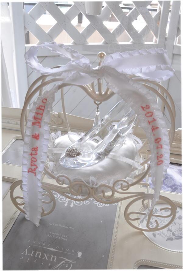 シンデレラのかぼちゃの馬車リングピローホワイト☆ガラスの靴☆ディズニーランド☆海外☆お誕生日