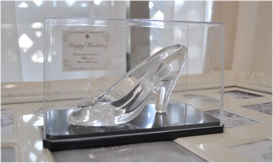ディズニーランドのガラスの靴とケースのセット
