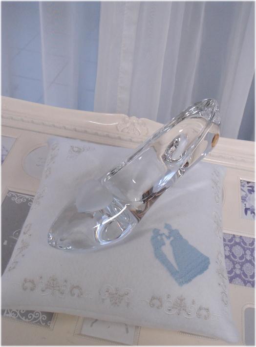 。ディズニーランド限定☆ガラスの靴☆Lサイズ★クッション付き☆LL