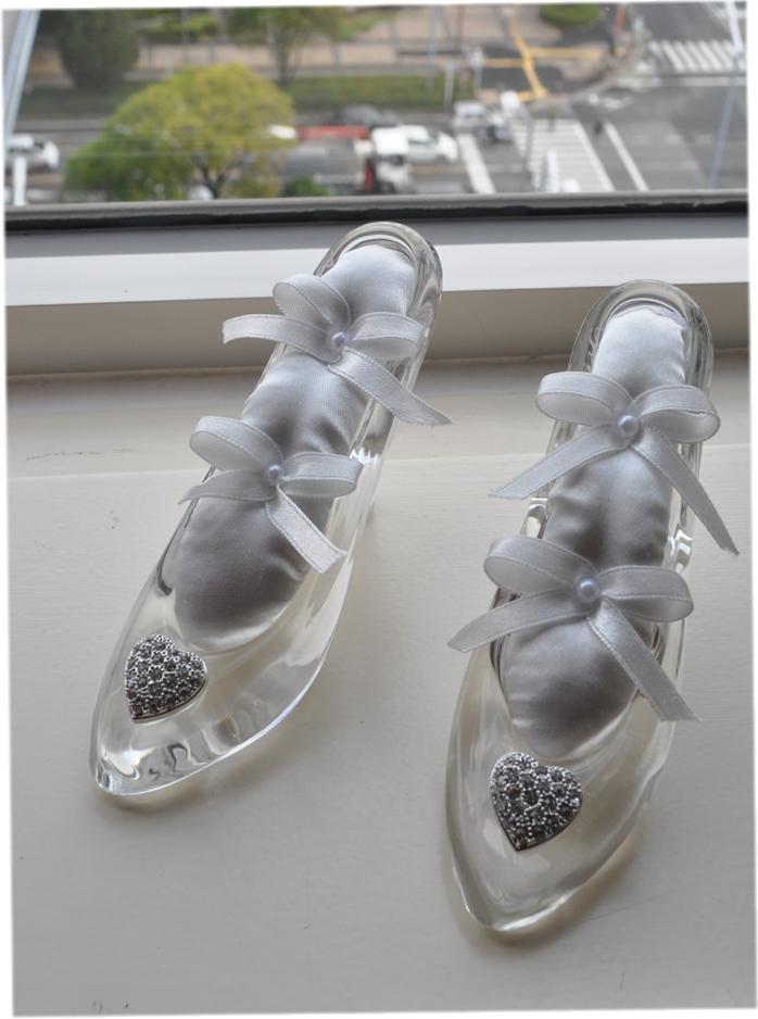 送料無料!ディズニーランドのシンデレラ城☆ガラスの靴☆もちろんガラス製です☆リングピロー☆1つのお値段です