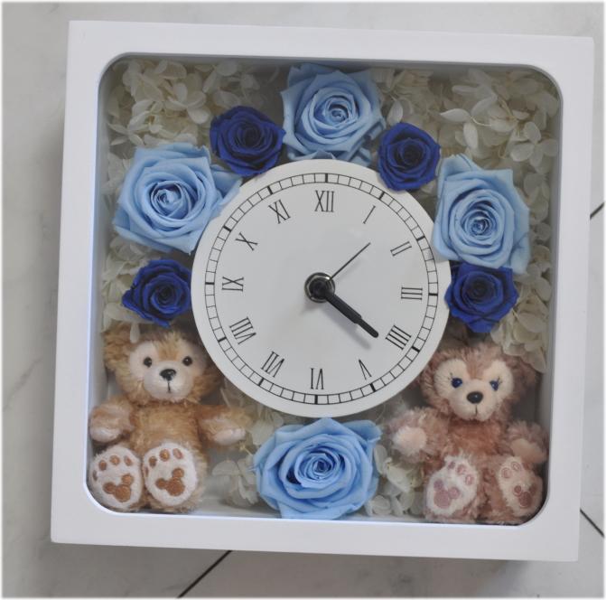 ☆お誕生日にいかが?ディズニーシー★ダッフィー&シェリーメイがついた時計。掛け時計としても、置時計としてもつかえます。プレゼントにおすすめ!プリザーブドフラワー