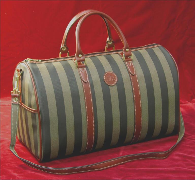 国産PVCレザーを使用した日本製ボストンバッグ 鞄の産地 送料無料でお届けします 豊岡生産 LifeN ストライプ柄 国産PVCレザー トラベルボストン 旅行 撥水 軽い 品質保証 プレゼント 実用的 ギフト 豊岡かばん