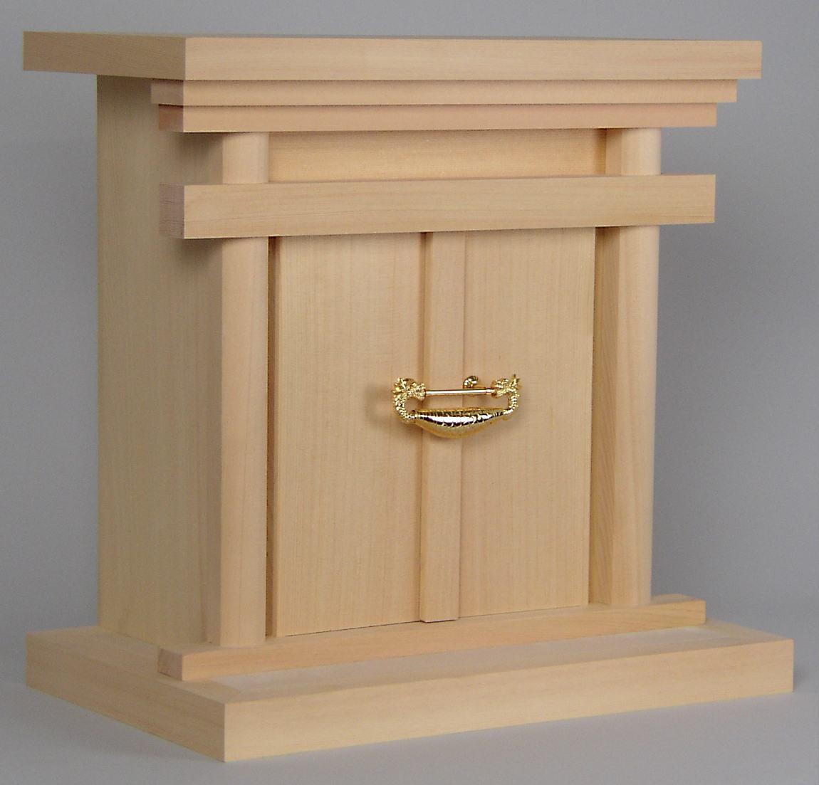 御霊舎 神徒 出色 で御先祖をまつる御社 造り付けの祭壇の有る場合や 棚に設置する際におすすめ 神具 メイルオーダー 神徒用 御霊舎特上 祖霊舎 中 送料無料