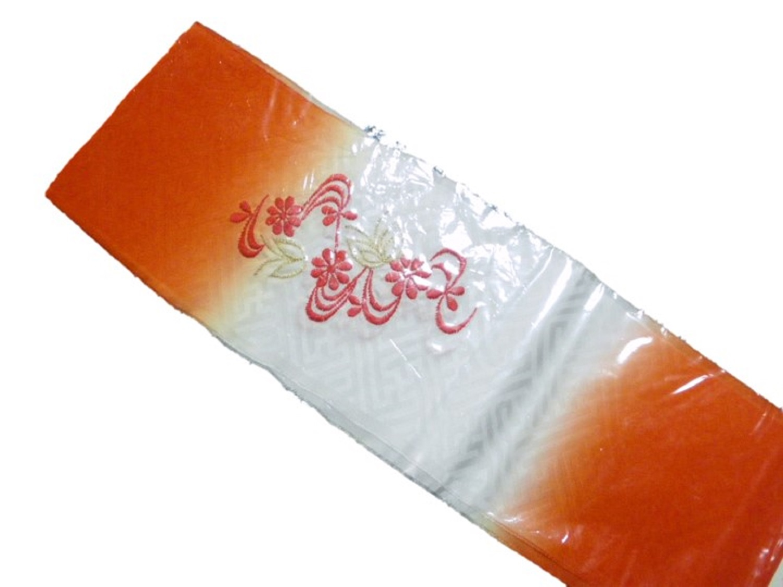 七五三刺繍半衿 日本産 赤白ぼかし 菊水 レーヨン 在庫処分品 蝶 公式サイト
