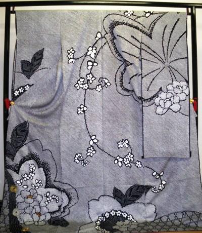 正絹振袖 総絞り 刺繍 関芳 八掛付 日本製 黒地 国産生地 未仕立て 送料無料