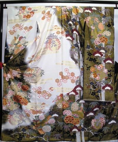 正絹振袖 黒・白地 古典柄 柄八掛付 日本製 洋の染 未仕立て 送料無料