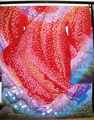 正絹振袖【赤】【絞り】【関芳】【柄八掛付】【日本製】【国産生地】【未仕立て】【送料無料】