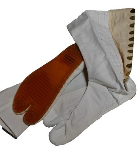 地下足袋 即納 24.5cm きねや無敵跣足袋 定番から日本未入荷 白綾 日本製 12枚こはぜ 在庫限り