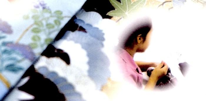 海外ミシン併用手縫い仕立【留袖比翼付き仕立・湯のし・ポリエステル比翼・ポリエステル胴裏・家紋入れ・5ヶ所グシ縫い付き】