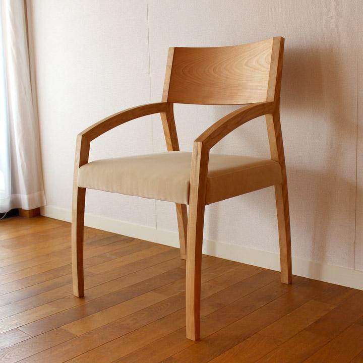 【送料無料】無垢のデートチェア(桜) 一人掛け 椅子(無垢家具)