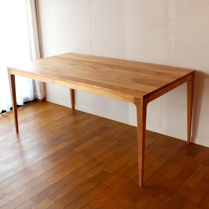 【送料無料】無垢のダイニングテーブル(受注生産のオーダー家具)