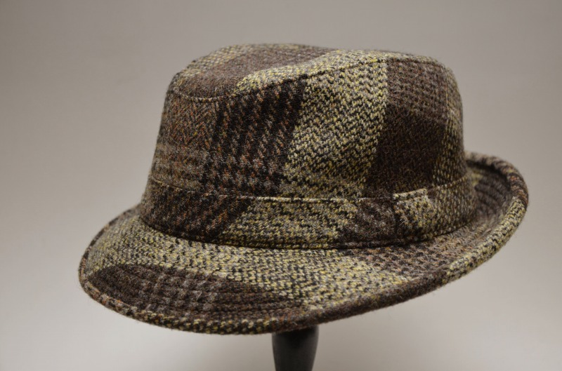 b8025f77097 Hat of French well-established hat maker MISTRAL (mistral) Solid cloth only  by the Harris Tweed