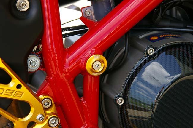 バイクパーツ モーターサイクル ギフト オートバイ バイク用品 外装BABYFACE ベビーフェイス フレームキャップ 2ケイリ セール 4589981513526取寄品 当店限定販売 S005-D0009RD レッド 1098