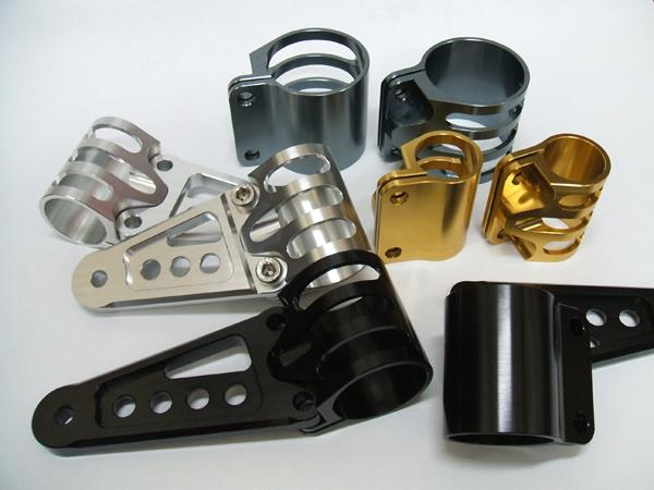 バイク用品 電装系アントライオン antlion ビレットライトステー正立フォーク用φ35 チタンゴールド スタンダードステー30035-TG 4548664306800取寄品 セール