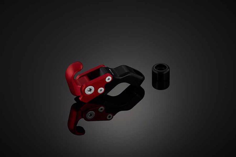 バイク用品 ハンドルBIKERS バイカーズ コンビニエンスフック 1ケ レッド XMAX 18-20Y0324-RED 4550255211417取寄品 セール