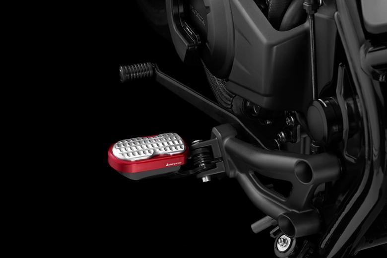バイク用品 ステップ ステップ&ステップボード&タンデムキットバイカーズ BIKERS F.フットペグ M.レッド シルバー Rebel500 250 17-19H0441-RED-SLV 4549950870500取寄品 スーパーセール