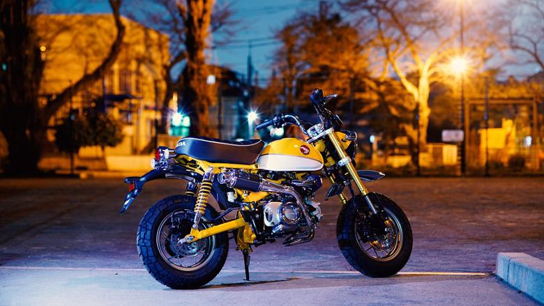 バイク用品 マフラー 4ストフルエキゾーストマフラーHOT LAP ホットラップ TYPE520 アップマフラー (政府認証) モンキー125J-520-UP 4550255169961取寄品 スーパーセール