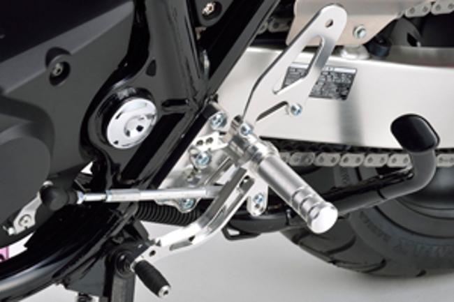 セール バイク用品 ステップ ステップ&ステップボード&タンデムキットモリワキ バックステップキット ブラック CB1300SF SB 03-モリワキエンジニアリング 05060-2B1M0-00 取寄品
