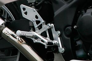 バイクパーツ モーターサイクル オートバイ 年末年始セール バイク用品 ステップ ステップ&ステップボード&タンデムキットモリワキ バックステップキット レース ブラック CBR250R 11-16モリワキエンジニアリング 05060-2B1G8-10 取寄品