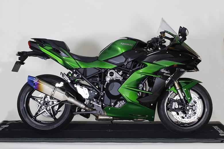 スーパーセール バイク用品 マフラー 4ストスリップオン&ボルトオンマフラートリックスター レーシングS O イカヅチ H2 SXトリックスター RST-H02-L4YT 取寄品