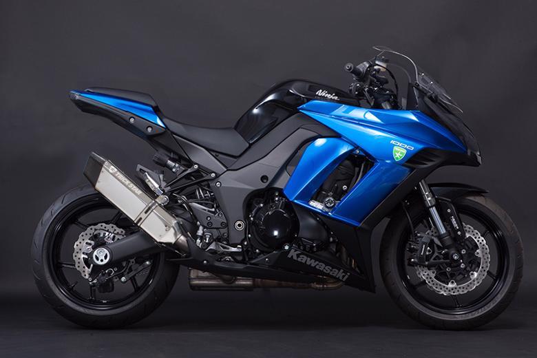 スーパーセール バイク用品 マフラー 4ストスリップオン&ボルトオンマフラートリックスター レーシングS O イカヅチ ステン・カーボン Ninja1000 14-16トリックスター RST-018-L4SC 取寄品