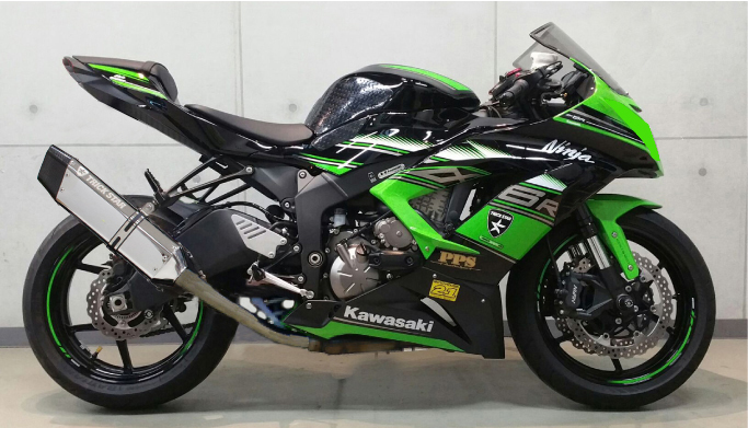 スーパーセール バイク用品 マフラー 4ストスリップオン&ボルトオンマフラートリックスター レーシングS O イカヅチ ステン・カーボン Ninja ZX-6Rトリックスター RSS-007-L4SC 取寄品