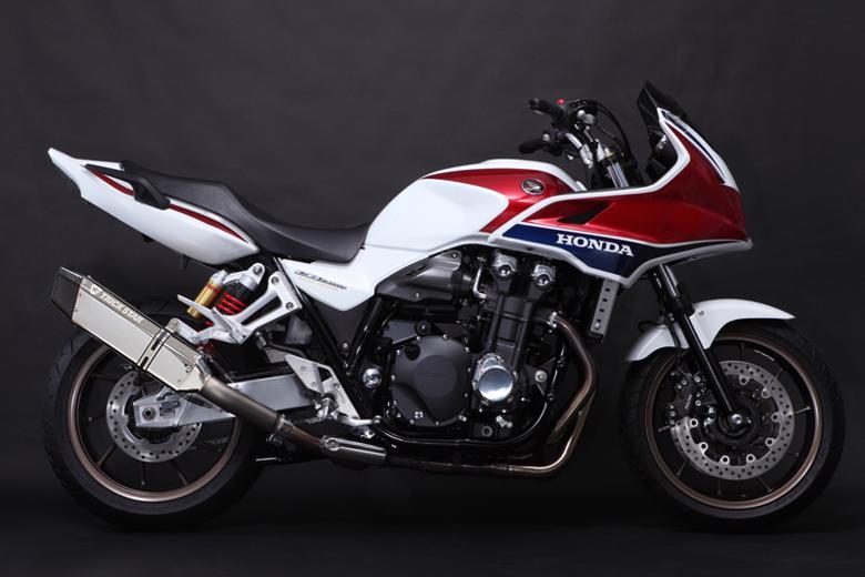 スーパーセール バイク用品 マフラー 4ストスリップオン&ボルトオンマフラートリックスター レーシングS O イカヅチ ステン・カーボン CB1300SB SFトリックスター RSWT-103-L4SC 取寄品