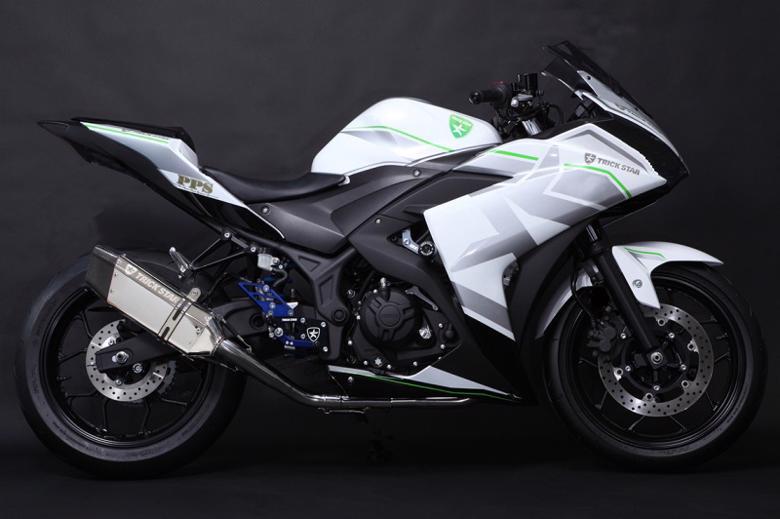 スーパーセール バイク用品 マフラー 4ストスリップオン&ボルトオンマフラートリックスター レーシングS O イカヅチショート ステン・カーボン YZF-R25 15-17トリックスター RSS-203-L7SC 取寄品