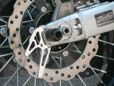 スーパーセール バイク用品 サスペンション&ローダウン スイングアームBEET レーシングスタンドフックセット シルバー D-TRACKER KLX250ビート 0611-K97-09 取寄品