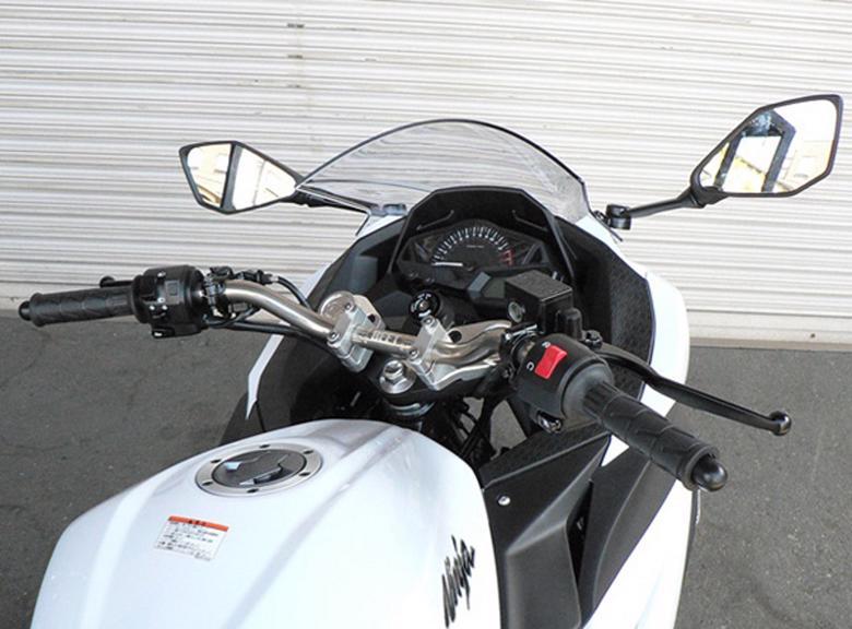 バイクパーツ モーターサイクル オートバイ セール バイク用品 ハンドル ハンドルBEET バーハンドルクランプSET Ninja250R Ninja250 13ビート 0605-KA6-00 取寄品