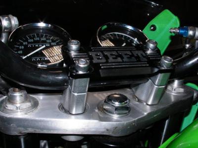 スーパーセール バイク用品 ハンドル ハンドルBEET バーハンドルポストキット ブレース付 ZRX1100 1200 DAEGビート 0605-K48-10 取寄品