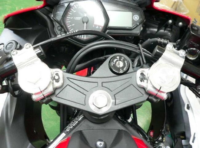 スーパーセール バイク用品 ハンドル ハンドルBEET レーシングハンドルKIT ブラック YZF-R25 YZF-R3ビート 0605-Y48-04 取寄品