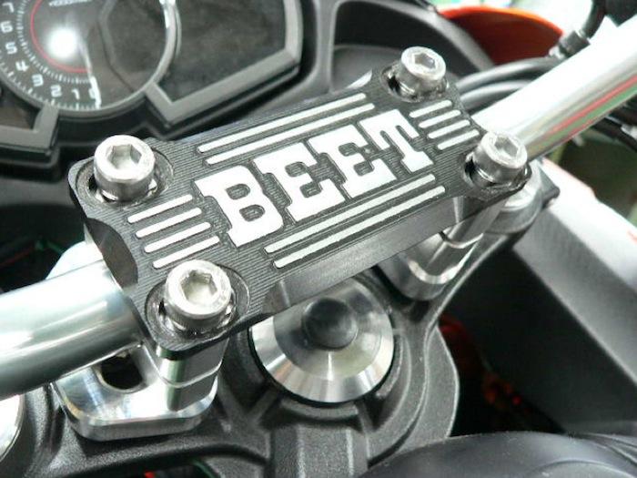 バイクパーツ モーターサイクル オートバイ セール バイク用品 ハンドル ハンドルBEET バーハンドルコンバージョンキット NINJA650 17 ブレース付ブラックビート 0605-KD7-04 取寄品