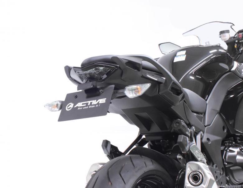 バイク用品 外装 フェンダーアクティブ フェンダーレスKIT LEDナンバートウツキ BLK NINJA1000 17-19(条件付き:純正パニアケース対応)ACTIVE 1157093 取寄品