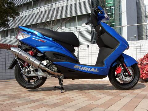 スーパーセール バイク用品 マフラー 4ストフルエキゾーストマフラーベリアル スティンガーグリードマフラー SLV シグナスXBURIAL Y17-12-00 取寄品