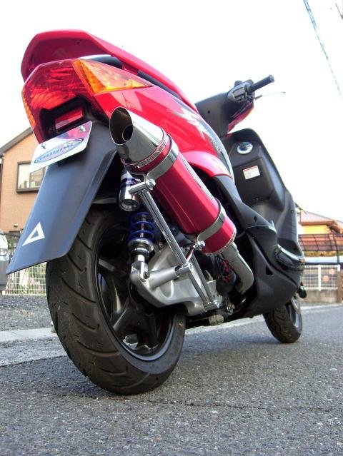 セール バイク用品 マフラー 4ストフルエキゾーストマフラーベリアル スティンガーグリードマフラー RED シグナスXBURIAL Y17-12-01 取寄品