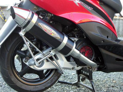 スーパーセール バイク用品 マフラー 4ストフルエキゾーストマフラーベリアル スティンガーグリードマフラー BLK シグナスXBURIAL Y17-12-02 取寄品