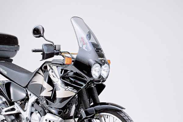 スーパーセール バイク用品 外装 スクリーンGIVI エアロダイナミクススクリーン D195S DS AFR.TWIN 96-02ジビ 47653 取寄品